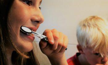 Kada valytis dantis?